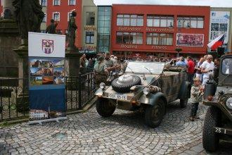 Bojová a historická vozidla - sobota 11. 6. Lužické náměstí